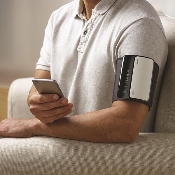 Evolv Wireless Upper Arm Blood Pressure Monitor Omron Healthcare