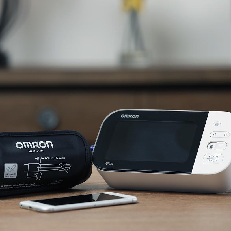 10 Series® Wireless Upper Arm Blood Pressure Monitor view 5
