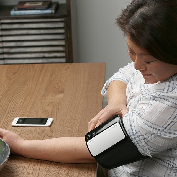 Evolv® Wireless Upper Arm Blood Pressure Monitor view 5